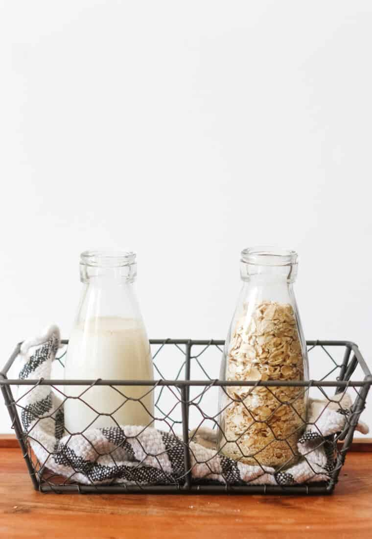 Homemade Oat Milk: The Quick 2-ingredient Recipe
